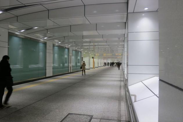 新宿駅から都庁までの通路